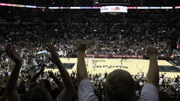 انطلاق دوري السلة الأمريكي بوجود أكثر من 100 لاعب أجنبي