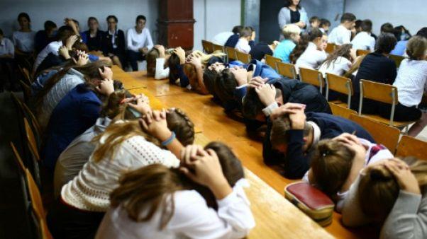 Dans l'est de l'Ukraine, les écoliers vivent au rythme de la guerre