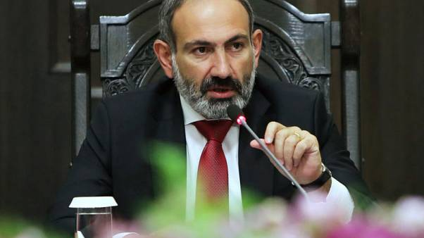 Armenian PM resigns to clear way for snap election