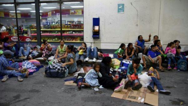 """""""Caravane"""" de migrants: Trump menace de couper les aides à plusieurs pays"""