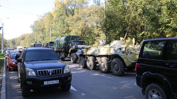مسؤولون روس: مراهق يقتل 19 في إطلاق نار داخل مدرسة بالقرم