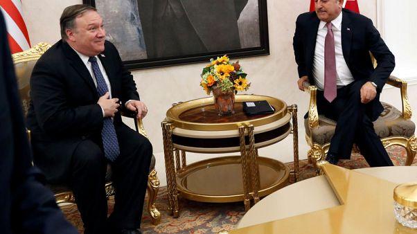 تركيا تبلغ بومبيو أن بإمكانها إخراج قوات كردية من منبج السورية