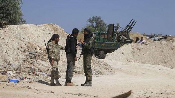 أمريكا تقول بعض المسلحين ينسحبون من إدلب بسوريا