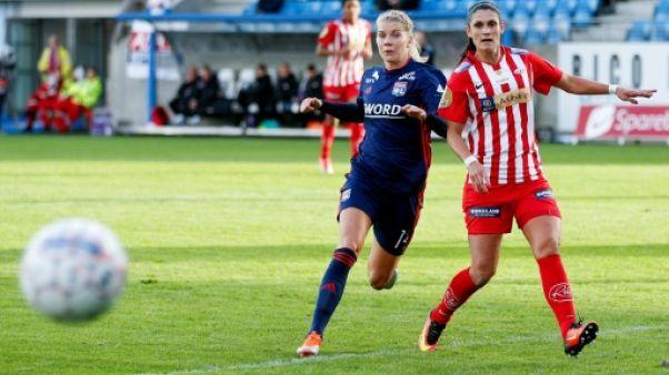 Ligue des champions dames: Lyon et le PSG assurent à l'extérieur