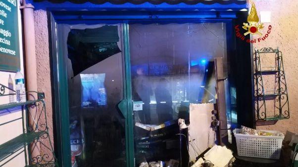 Brucia il panificio di Portofino