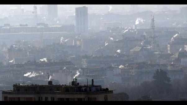 Incendi, meteo favorevole a inquinamento