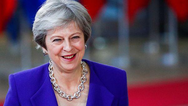 """ماي مستعدة لتمديد الفترة الانتقالية للخروج من الاتحاد الأوروبي """"لأشهر"""""""