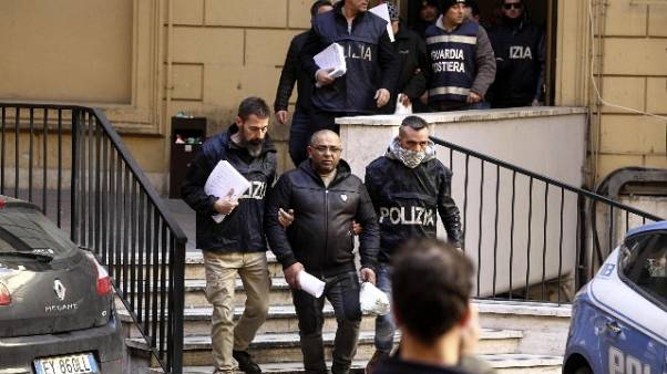 Ostia: condannati per mafia tre Spada