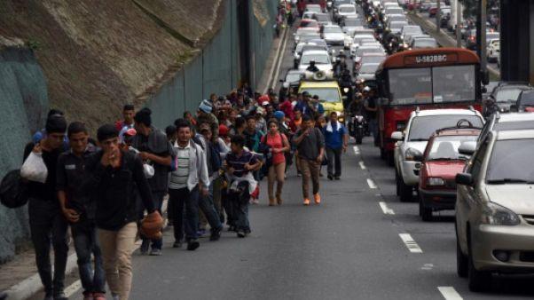 Les migrants honduriens s'en remettent à Dieu contre Trump pour entrer aux Etats-Unis
