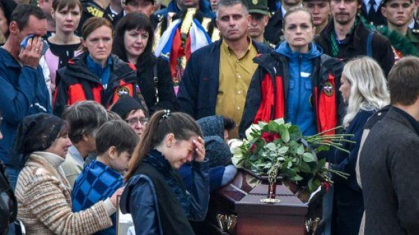 Crimée : Kertch rend hommage à ses morts deux jours après la tuerie
