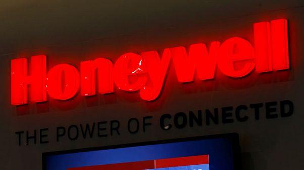 Honeywell profit beats on strong aero, warehouse automation sales