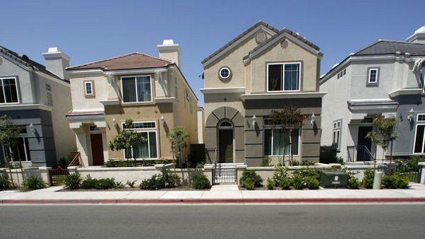 مبيعات المساكن القائمة في أمريكا تهبط لسادس شهر على التوالي