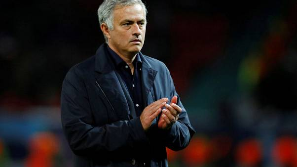 Mourinho vows to be on best behaviour at Stamford Bridge