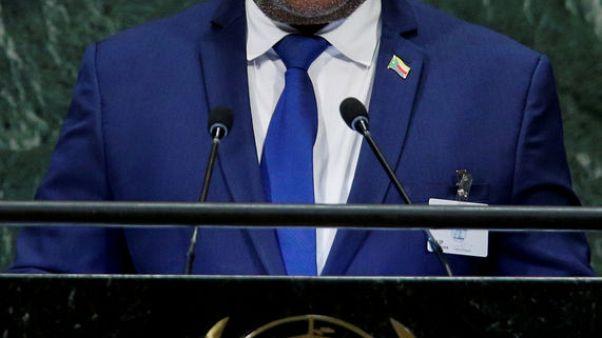 السلطات في جزر القمر توقع اتفاقا لإنهاء اضطرابات في البلاد
