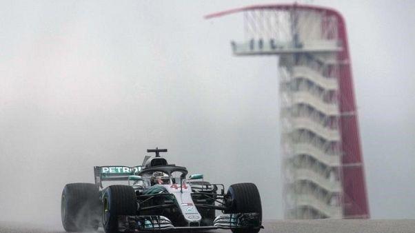 آمال هاميلتون تزداد في نيل لقب فورمولا 1 عقب معاقبة فيتل عند الانطلاق