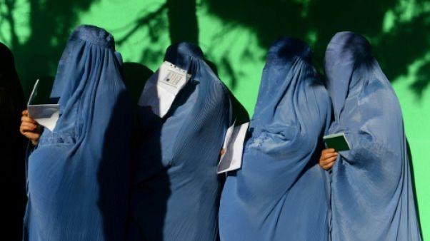 L'Afghanistan vote dans le chaos, au moins 3 morts dans des explosions