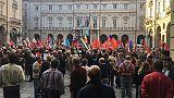 Antifascisti in piazza a Torino