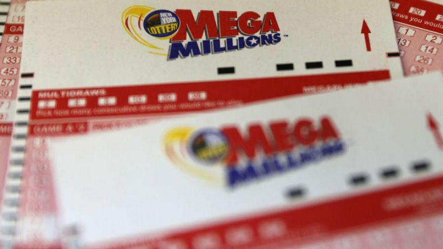 """قيمة جائزة يانصيب """"ميغا مليونز"""" الأمريكية تقفز إلى 1.6 مليار دولار"""