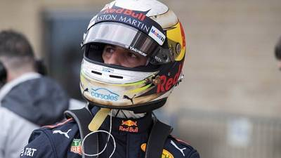 Ricciardo and Bottas are the obstacles in Vettel's way