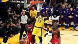 NBA: une défaite et des coups pour les débuts à domicile de LeBron James