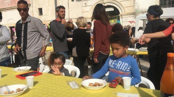 Lodi: in Puglia 'pranzo a colori'