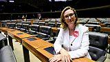 """Brésil: la députée """"trop moche"""" pour être violée craint plus de violences"""