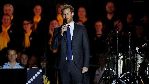 الأمير هاري يلهب حماس رياضيين وزوجته تقلص أنشطتها في استراليا