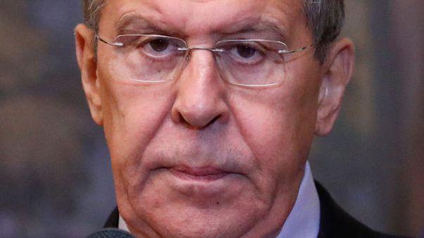 وكالة: موسكو تريد من أمريكا تفسيرا لاعتزامها الانسحاب من معاهدة نووية