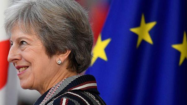 رئيسة وزراء بريطانيا تكرر رفضها لمقترح الاتحاد الأوروبي بشأن أيرلندا