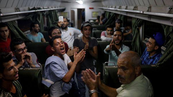 مظاهر الحياة الطبيعية تعود إلى دمشق بعد انتهاء القتال