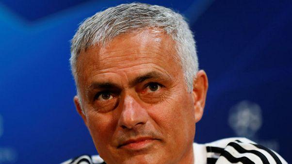 مورينيو لا يرغب في العودة لريال مدريد ويسعى للاستمرار في يونايتد