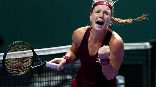 Tennis - Bertens finds formula to make dream debut from nightmare start