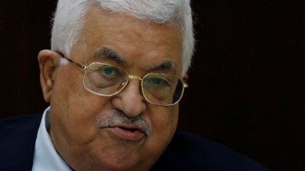 إسرائيل تفرج عن اثنين من مسؤولي السلطة الفلسطينية بعد اعتقالهما