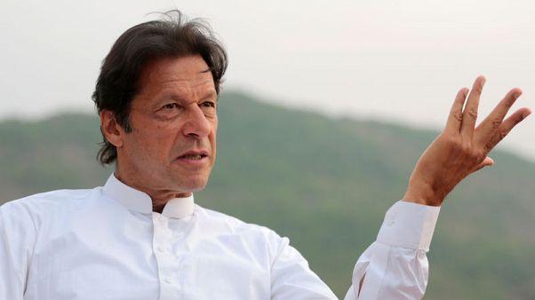 رئيس وزراء باكستان يسعى لطلب قروض لدعم استثمارات وإعادة خدمة الدين