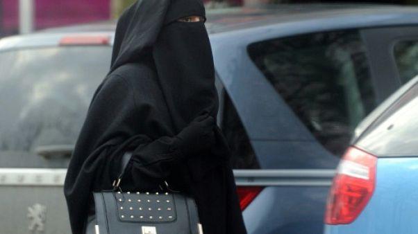 Une femme en niqab, le 9 janvier 2014 à Roubaix