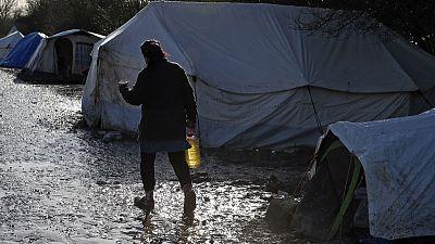الشرطة الفرنسية تبدأ إخلاء مخيم دونكيرك للمهاجرين
