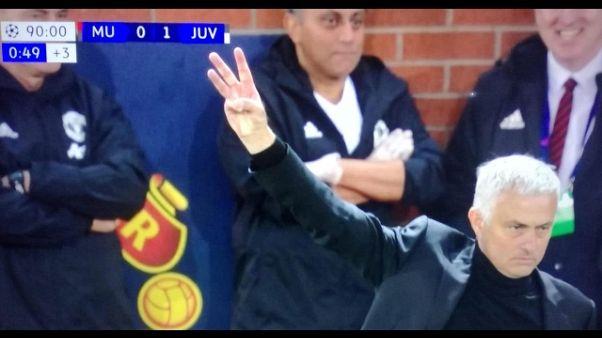 Mourinho, per tifosi Juve triplete duro