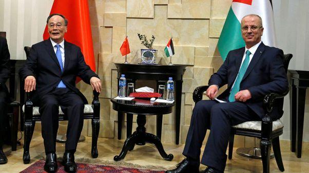الصين توقع مذكرة تفاهم مع فلسطين للتفاوض على اتفاق للتجارة الحرة