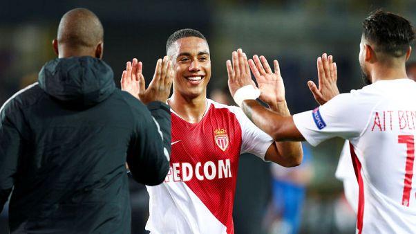 موناكو يحصد أول نقطة تحت قيادة مدربه هنري