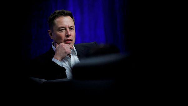 Elon Musk's SpaceX seeks $500 million loan via Goldman - Bloomberg