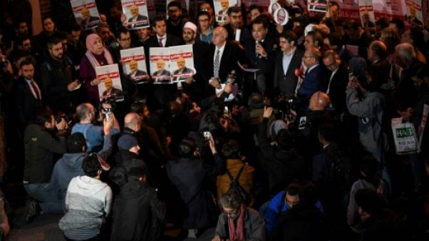 Hommage à Khashoggi devant le consulat saoudien à Istanbul