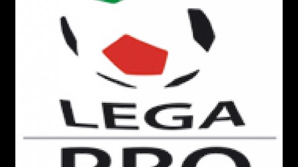 Caos B:Lega Pro sospende gare sette club