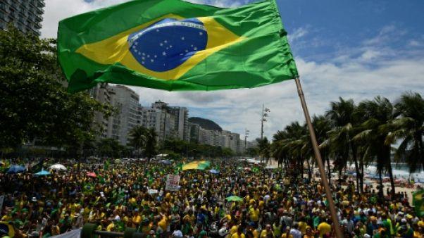 Présidentielle au Brésil dimanche dans une odeur de soufre