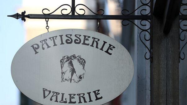 Patisserie Valerie owner's suspended finance director resigns