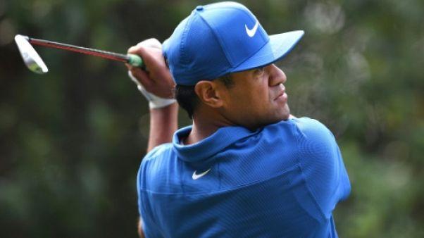 PGA WGC: Tony Finau prend la tête malgré un coup de malchance à Shanghaï