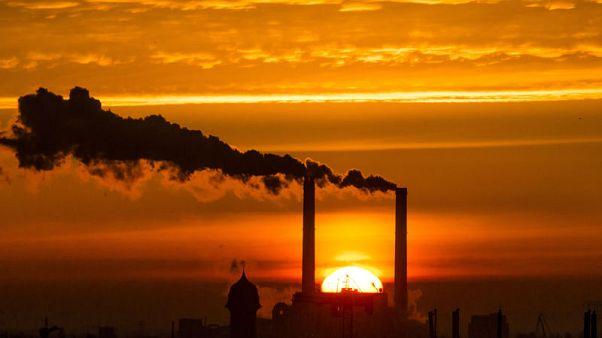 المفوضية الأوروبية: الاتحاد في طريقه لتحقيق هدف خفض انبعاثات الاحتباس الحراري