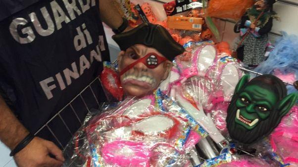 Maxi sequestro articoli Halloween