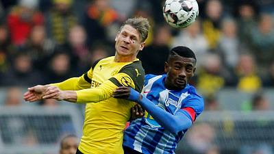 Late Kalou penalty earns Hertha a point at Dortmund