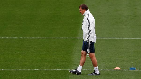 Spiky Real boss Lopetegui rejects job speculation before 'Clasico'