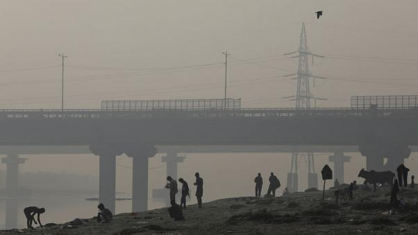 الضباب يطبق على العاصمة الهندية في ذروة موسم التلوث